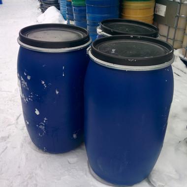 Бочка б/у из пластика на 200 литров с крышкой и хомутом